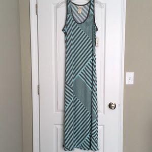 NWT Faded Glory size L maxi dress